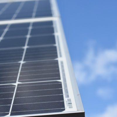 Energia wprost ze słońca – ile kosztuje instalacja fotowoltaiczna?